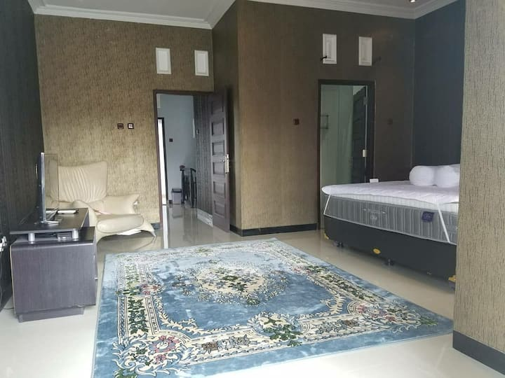 Omah Jalimbar Romantic Comfort Home Stay in Jogja