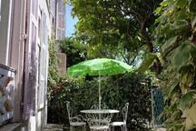 Petit jardin privé, au calme