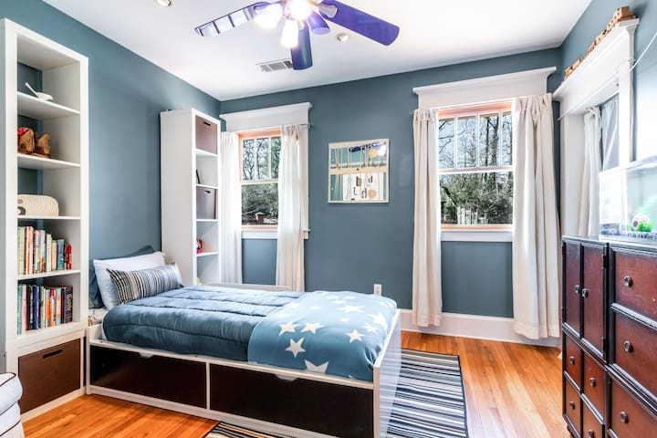 The twin bedroom on the second floor is great for a single traveler in your group.