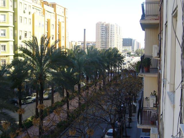 Avda. Regne de Valencia-Valencia