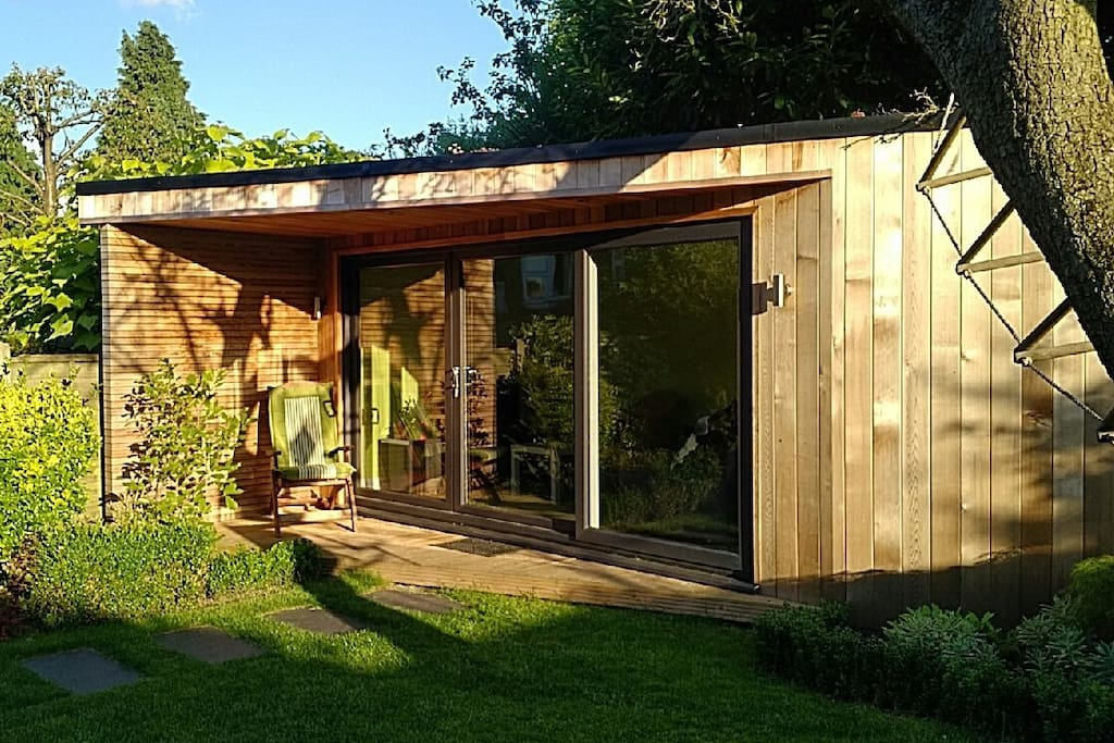 London Garden Rooms Woodford
