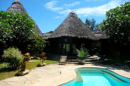 Lalapanzi (Sleep well here) - Diani Beach - House