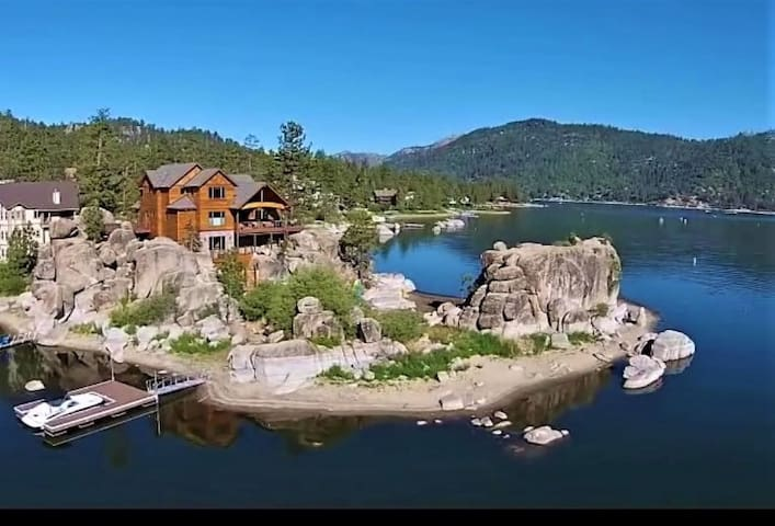 BOULDER COVE, Luxury Lakefront Big Bear Lake