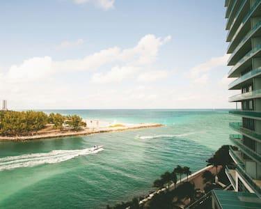 Luxury Ritz Carlton 2 bedroom - Bal Harbour
