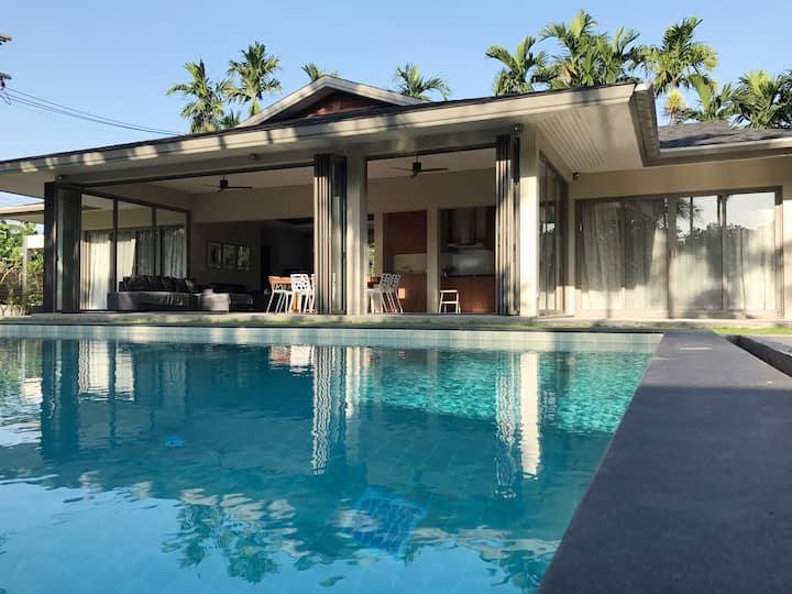 Luxury villa 4 bedrooms quiet not far Maikao beach