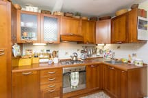 The kitchen to your disposition
