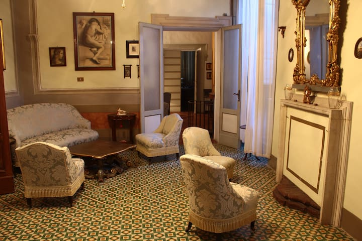 A comfortable jump in the past! - Ostra Vetere - Apartamento