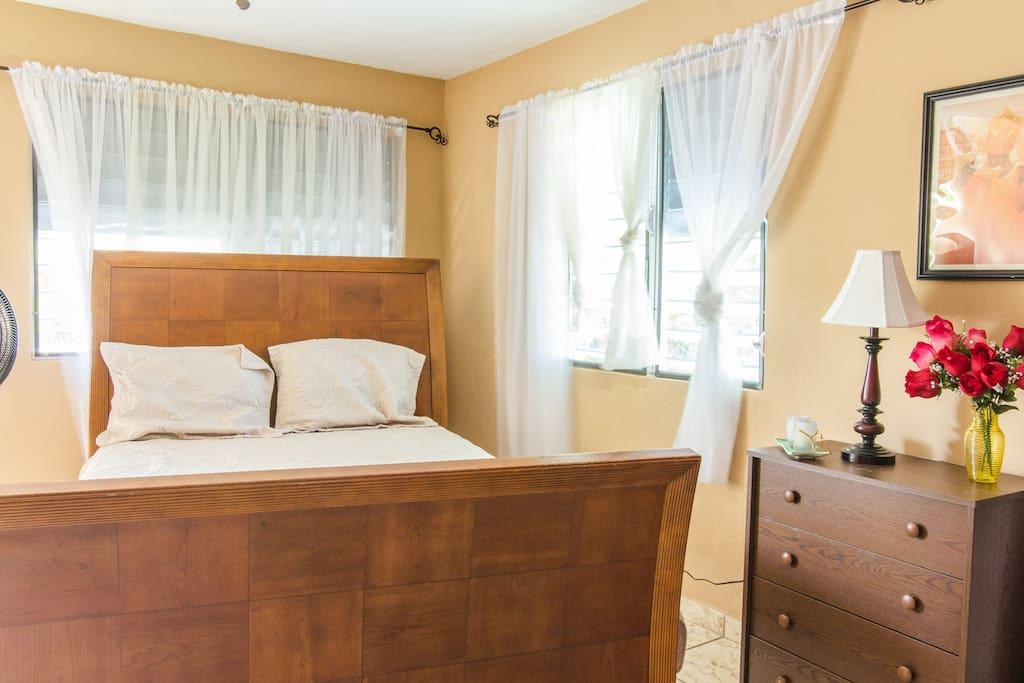 Master Bedroom, Queen Sized