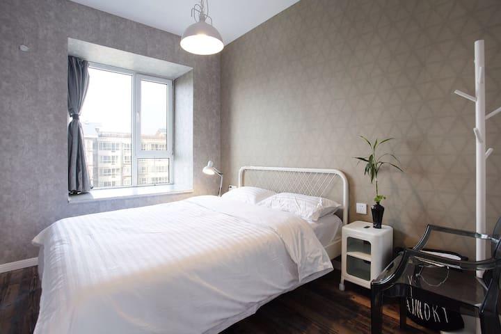 北欧创意双人间配有星级酒店专用床垫和床上用品,让你在旅途中得到最好的休息和放松。