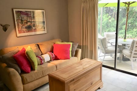Charming townhome centrally located to theme parks
