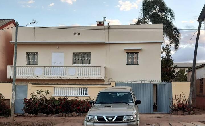 Maison rénovée à Itaosy Cité Akany Sambatra