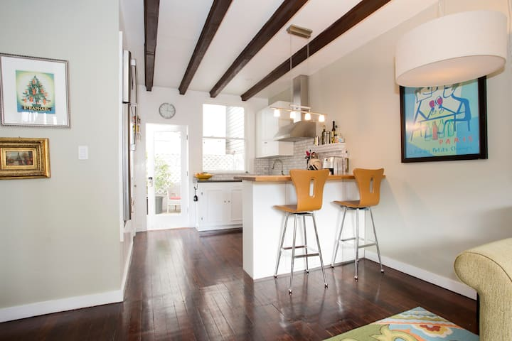 Cozy 3BR Cottage in Pacific Heights