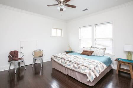 Steps from parade route!  Private Uptown Suite - New Orleans - Hus
