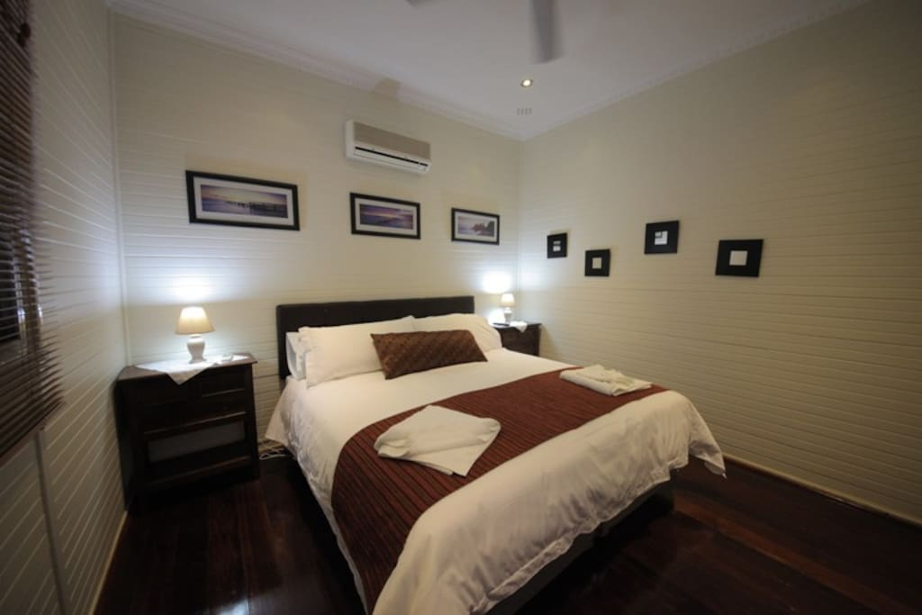 Phar Lap bedroom with king size bed.