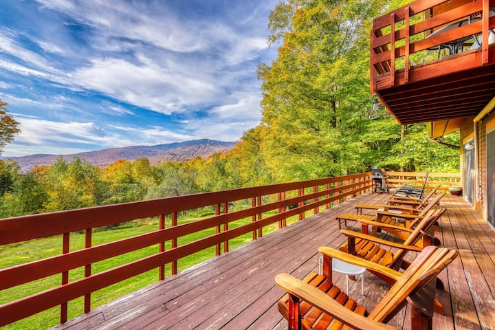 Mountain view home w/hot tub & game room - near Sugarbush/Mad River Glen!
