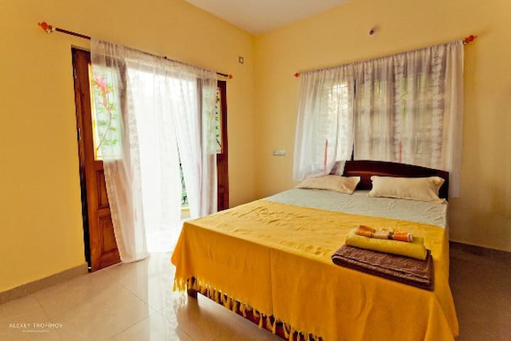 Room with private bathroom, kitchen & wifi - Mandrem