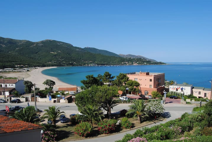 Lovely sea view duplex apartment - Calcatoggio - Lägenhet
