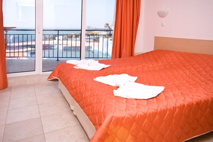 Ап-т с 2 спальнями.Вид на море! - Sveti Vlas - Appartamento
