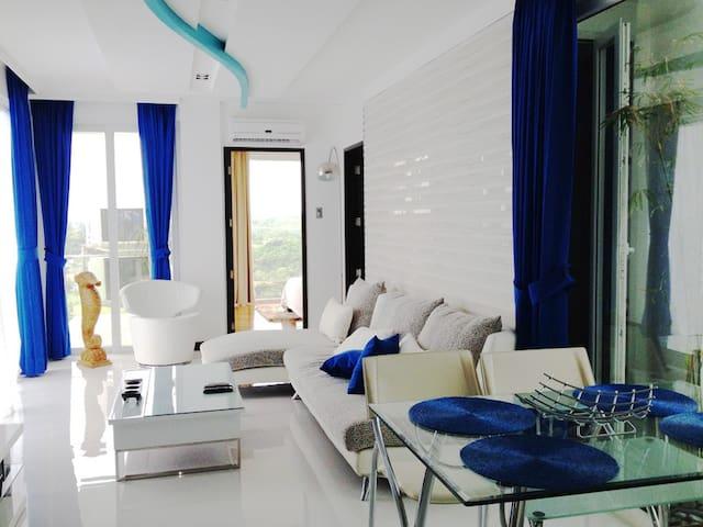 DeluxCondo PoolSuites PanoramicView - Malay - Apartamento
