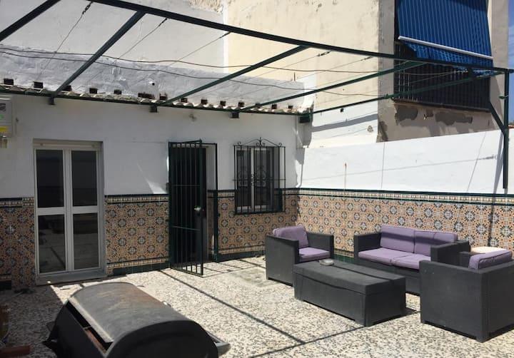 CASA REFORMADA CON TERRAZA/WIFI/AIRE ACONDICIONADO