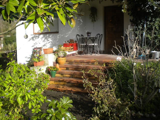Beautiful country house and garden - San Miguel de Meruelo - Huis