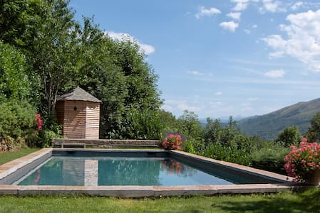 CHARMING HOUSE IN THE PYRENEES - Saurat - House