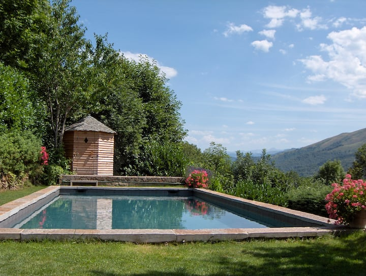 CHARMING HOUSE IN THE PYRENEES