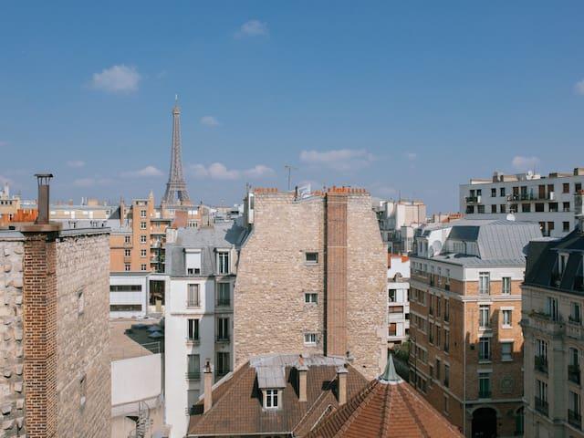 Joli studio superbe vue Tour Eiffel