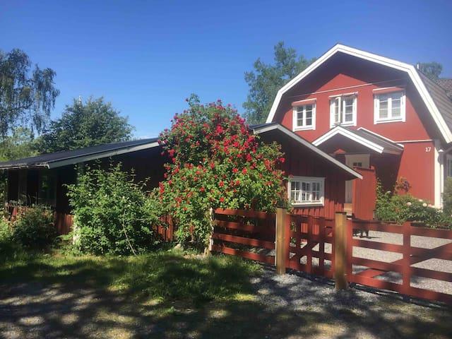 Kom till vår stuga på Blidö i Stockholms skärgård