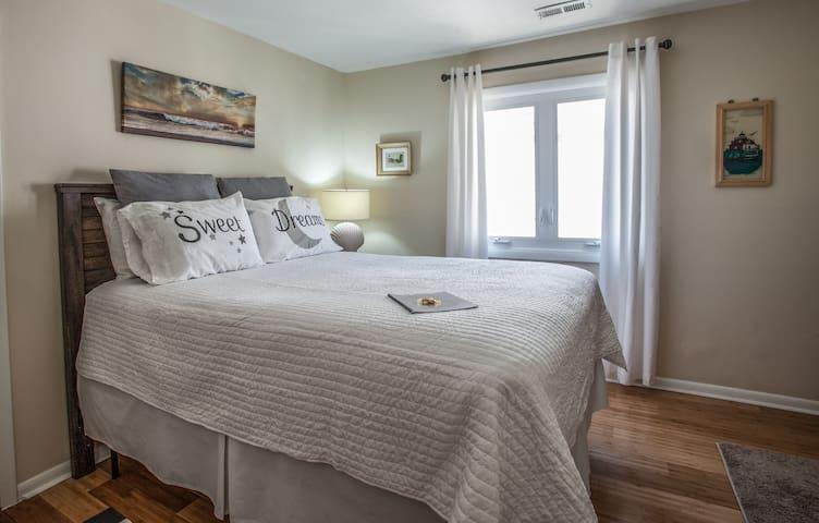 Private Room in Beachfront Condo