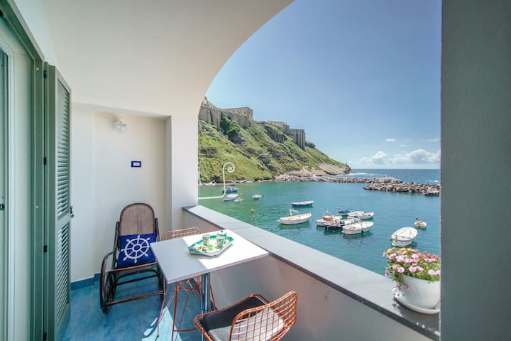 Two rooms overlooking the sea
