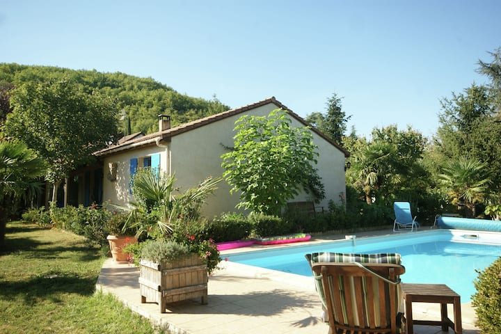 Comfortable holiday home outside Espère with private swimming pool and beautiful garden