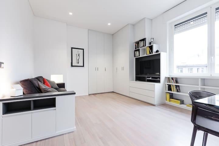 Brera lovely apartment appartamenti in affitto a milano for Brera appartamenti