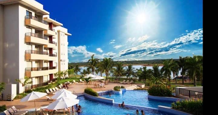 Marina Flat,  lago e piscina quente com vista bela