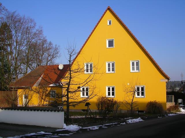 Messe-, Monteur- und Ferienwohnung  - Zirndorf OT Anwanden  - Flat
