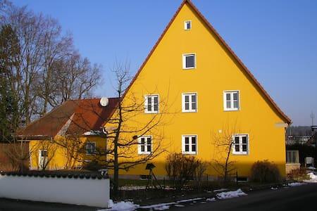 Messe-, Monteur- und Ferienwohnung  - Zirndorf OT Anwanden