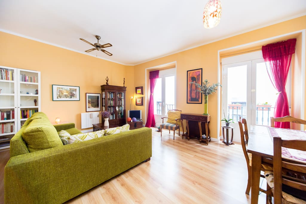 Madrid a pie puerta del sol apartamentos en alquiler for Apartamentos puerta del sol conil