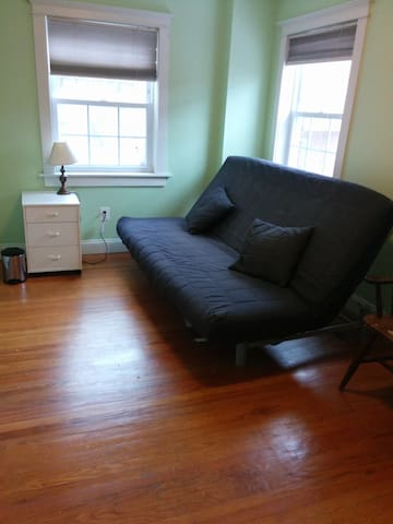 Bright sunny central center city - walk to all!! - Philadelphia - Huis