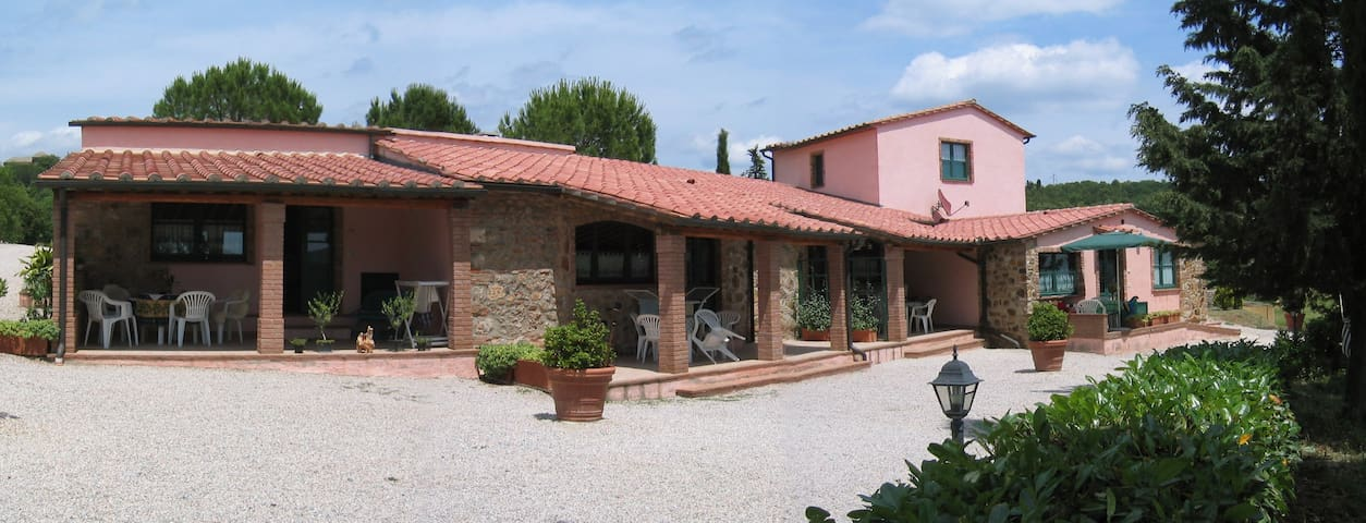 IL BELVEDERE COUNTRY HOUSES - Massa Marittima - Bed & Breakfast