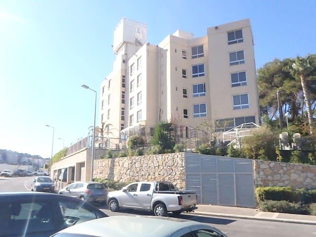 Marom Residence