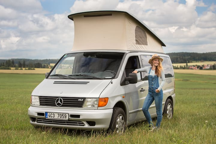 MB Marco Polo - Bed & Kitchen & Car