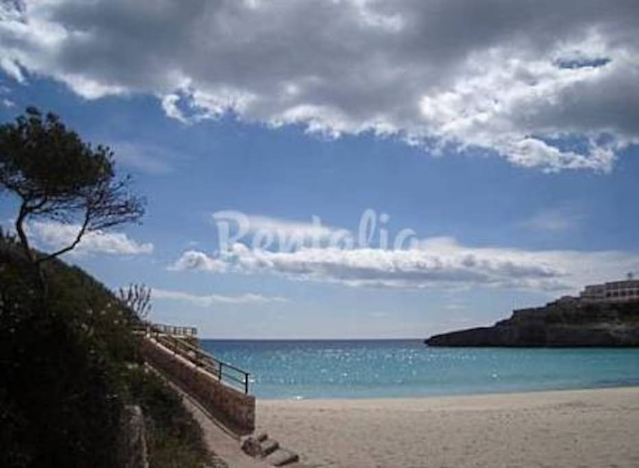 BEACH DOMINGOS GRANS WITH PROMENADE NEXT TO THE HOUSE