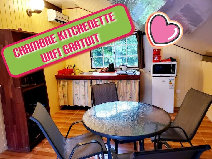 FARE TEPUA  Chambre climatisé Kitchenette