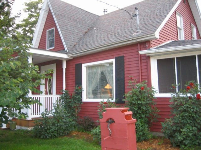 The Milkhouse Bed and Breakfast - Clinton - Bed & Breakfast