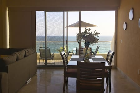 Oceanfront, 1 bedroom, parking, level 3