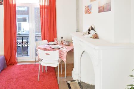 Charming flat in Liège center - Λιέγη - Διαμέρισμα