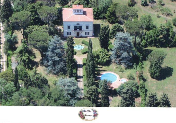 Toscan noble villa