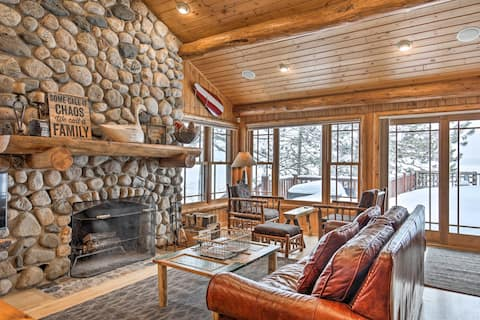 Lakefront Cabin: 11 Mi to Downtown Shops & Dining!