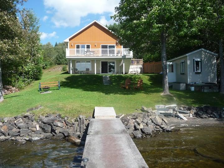 Chambre à louer au Chalet Beaudin Lac Wallace