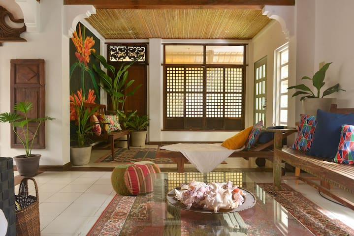 The Green Door Heritage Home, Tagaytay
